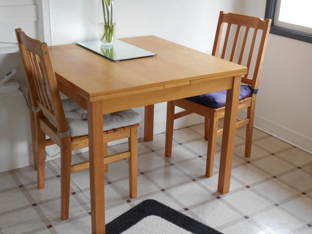 IKEA Kloffsta extendable dining table and two chairs  : 47551782614 from www.usedvictoria.com size 614 x 460 jpeg 34kB
