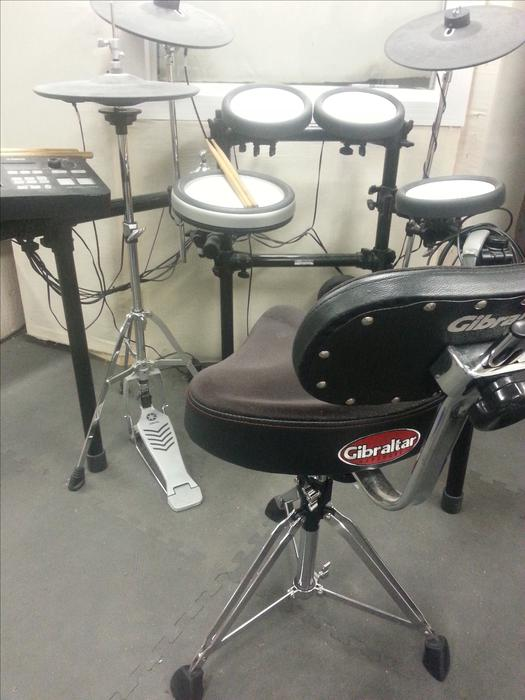 Reduced yamaha dtx700 electronic drums stool for Yamaha dtx 700