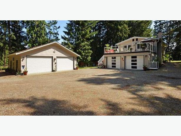 3 bedroom home on 2 1 private acres with 1000 sq ft total for 1000 sq ft garage