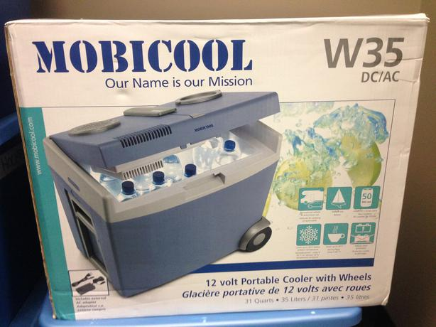 mobicool w35 dc ac 12 volt portable cooler with wheels new. Black Bedroom Furniture Sets. Home Design Ideas