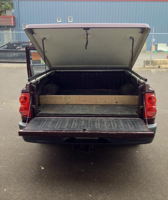 2005 DODGE DAKOTA ST 4X4 QUAD CAB WITH LOTS OF OPTIONS