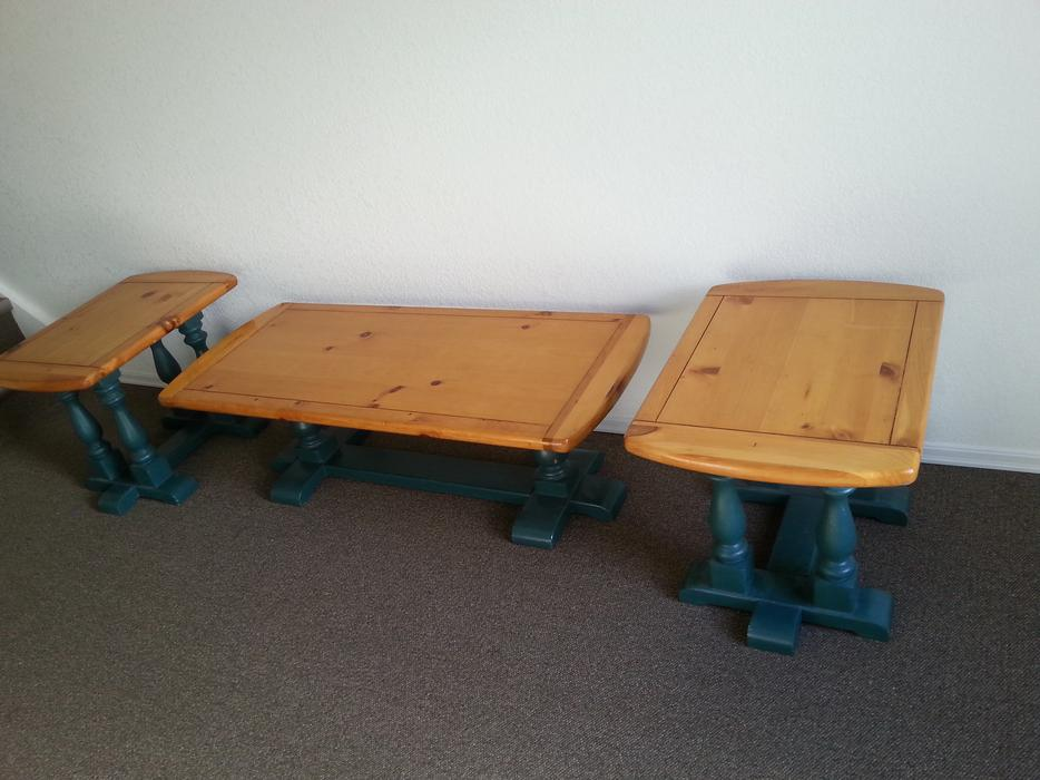 pine coffee table with matching end tables great