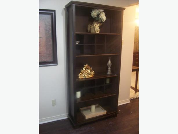 Elegant MARKOR Dark Brown Bookcase in MINT condition I DELIVER – Ikea Markor Bookcase