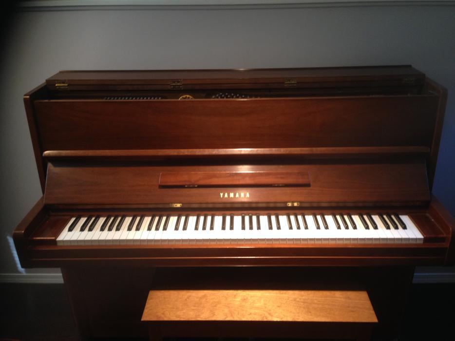 Yamaha p2 upright piano oak bay victoria for Yamaha piano store winnipeg