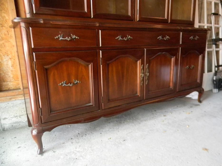 Gibbard Solid Cherry Buffet And Hutch Kanata Ottawa Mobile