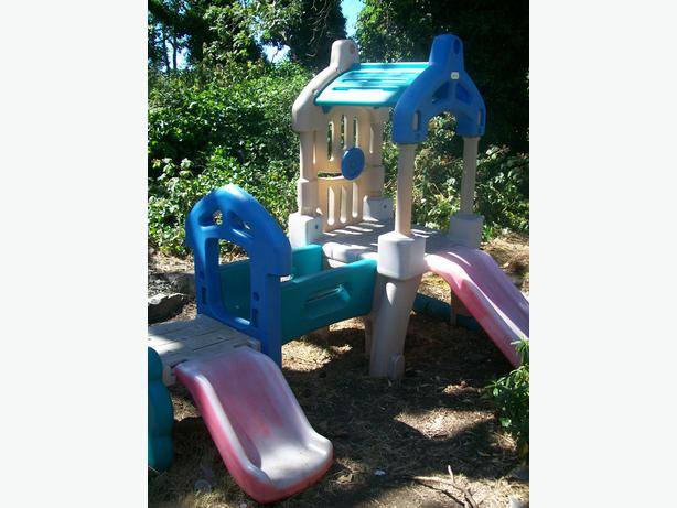 Used Yard Toys : Free playground equipment and outdoor toys saanich victoria