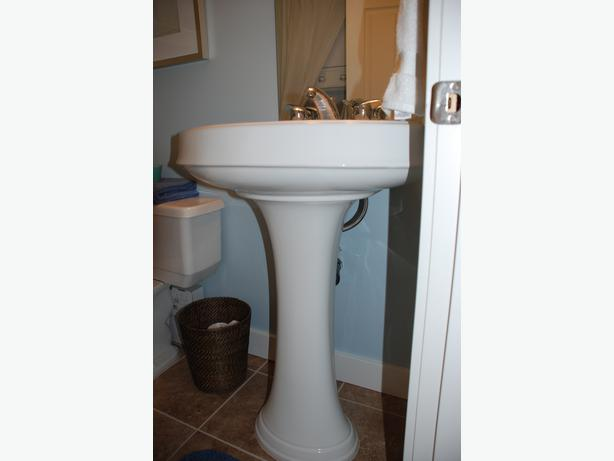 Log In needed $120 ? Incredible price - Kohler pedestal sink