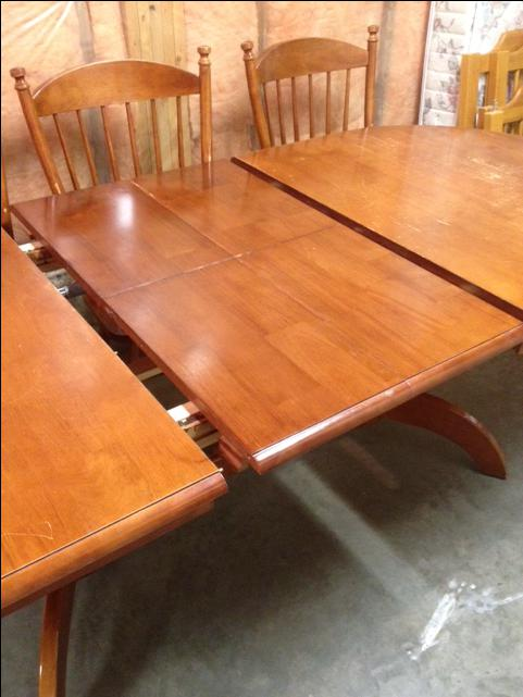 Dining Room Table And 6 Chairs North Saanich Amp Sidney