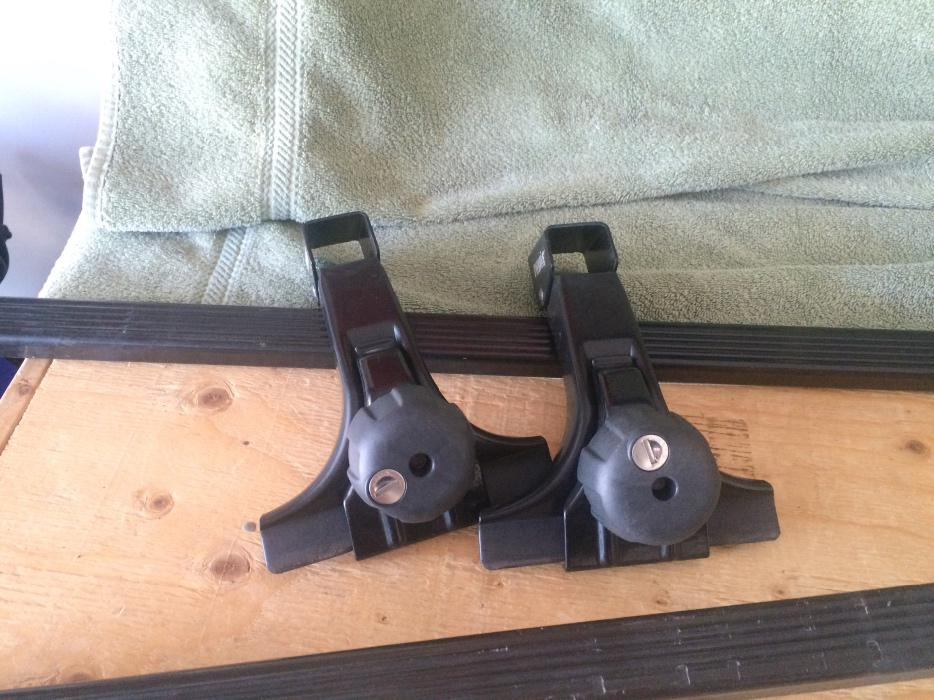 Thule Low Profile Gutter Feet And Square Bars With Locks