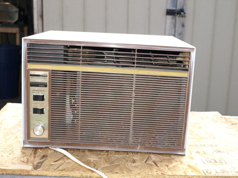 2 in window ac units for sale courtenay campbell river for Window unit ac