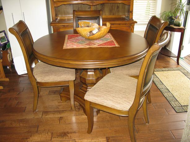 Dining room table amp 4 chairs and china cabinet Sooke  : 47645954614 from www.usedvictoria.com size 614 x 460 jpeg 52kB