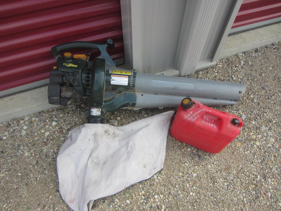 Gas Powered Yardworks Mulching Leaf Blower Vacuum With Bag