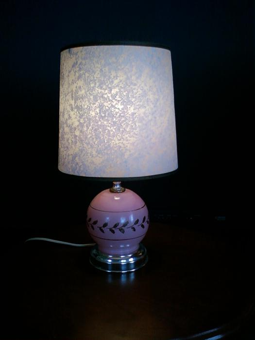 Salt Lamps Kamloops : (2nd) Table Lamp, includes bulb, shade Victoria City, Victoria