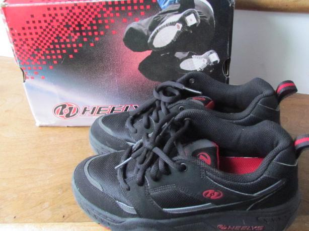 heelys rebel roller shoe size 6 0 outside nanaimo nanaimo