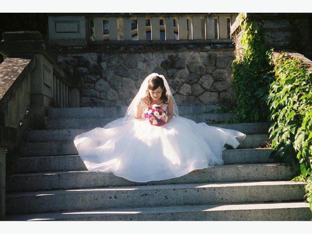 Beautiful Wedding Dress Saanich Victoria