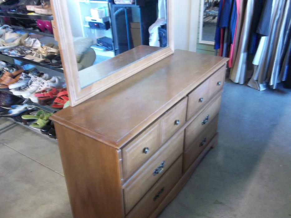 Dresser With Mirror For Sale At St Vincent De Paul On Quadra Saanich Victoria Mobile