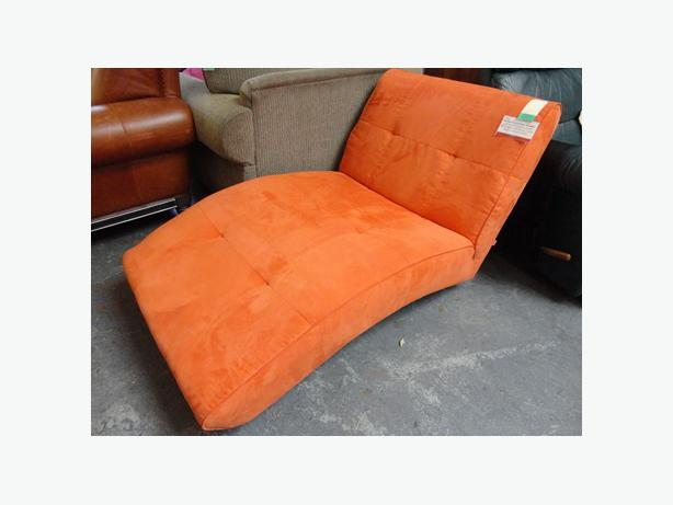 Win 597 chaise longue orange super amazing for Chaise longue montreal