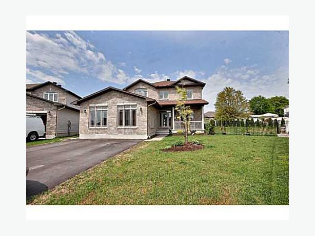 3000 sq ft of living amazing 2 storey home on massive for 3000 square foot modular homes