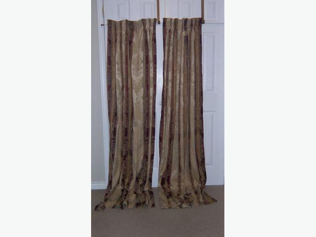 Curtain panels with hooks