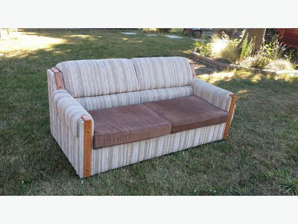 1 very comfortable sofa bed victoria city victoria for Really comfortable sofa bed
