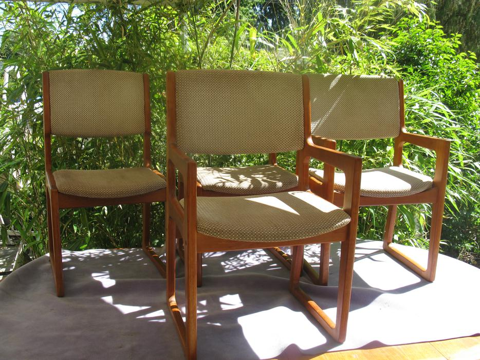 Reduced Danish Teak Dining table and 4 chairs Saanich  : 47739916934 from www.usedvictoria.com size 934 x 700 jpeg 156kB