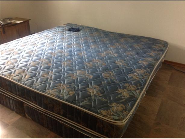 king size bed for sale south regina regina mobile. Black Bedroom Furniture Sets. Home Design Ideas