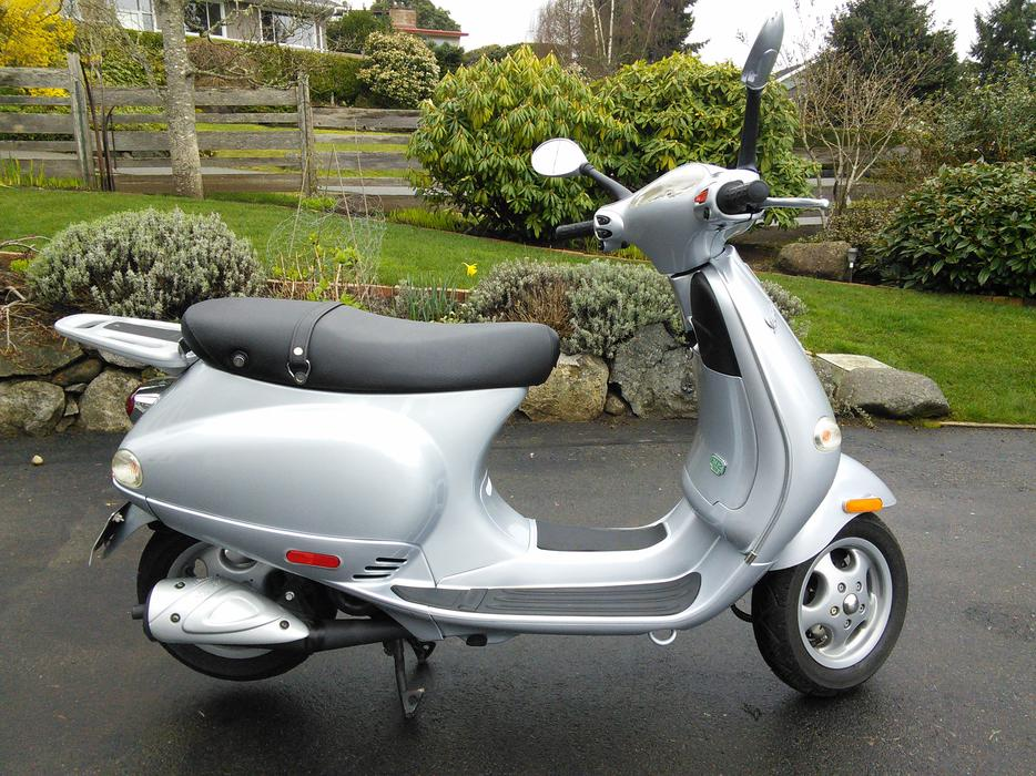vespa et2 scooter qualicum nanaimo. Black Bedroom Furniture Sets. Home Design Ideas