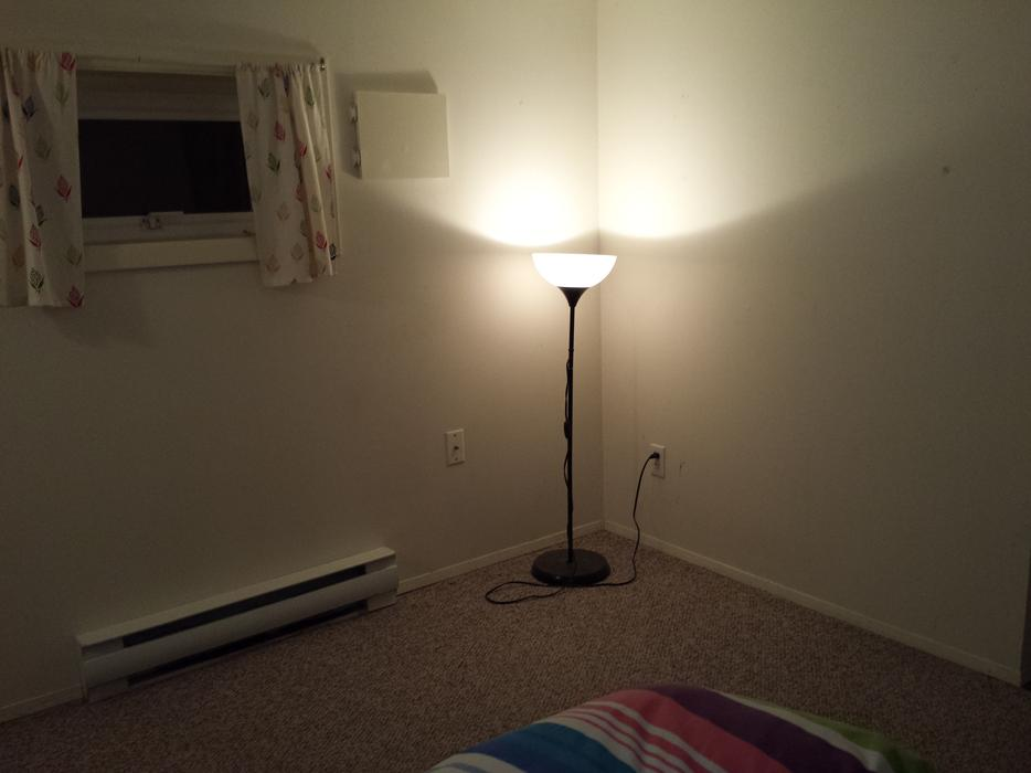 Bedroom for rent starting august close to uvic victoria for 100 taunton terrace oshawa