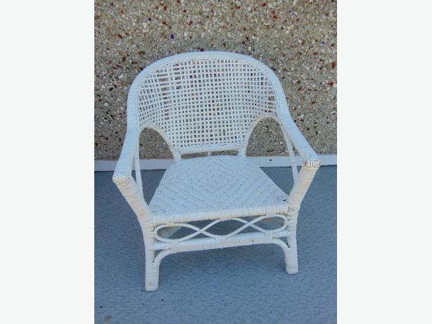 Childrens Vintage White Wicker Rattan Indoor Outdoor Chair