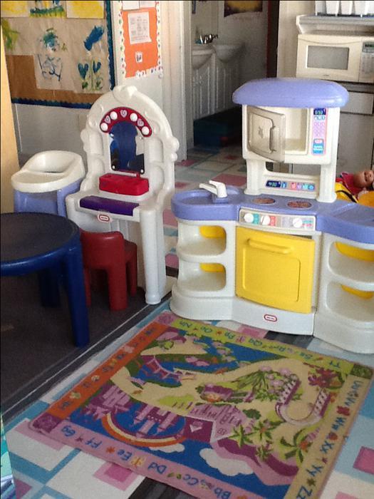Daycare Furniture Daycare Contents Garage Sale Pricing Sat Outside Nanaimo Nanaimo