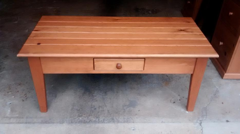 Reduced pine coffee table w drawer saanich victoria for Coffee tables kelowna