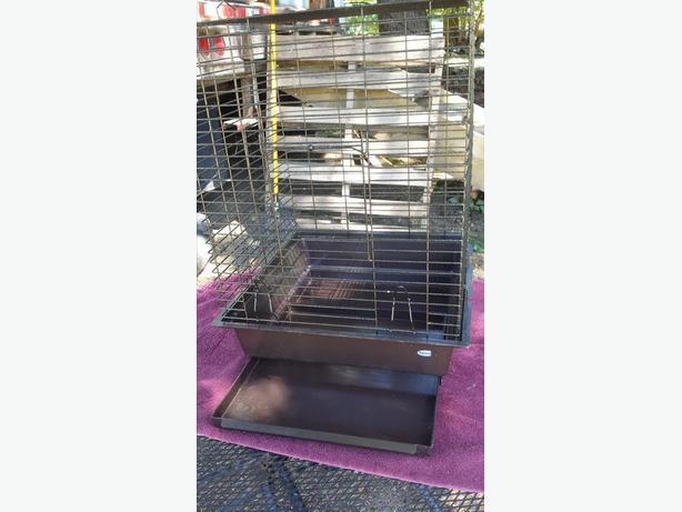 REDUCED...Med Bird Cage (Hagen)