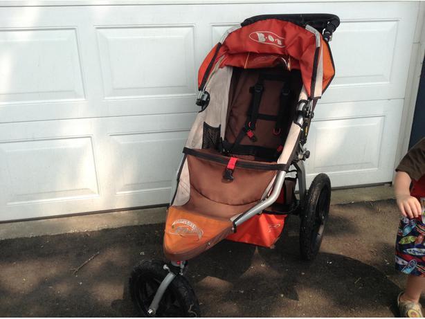 bob revolution stroller in immaculate condition incl car seat adaptor saanich victoria. Black Bedroom Furniture Sets. Home Design Ideas