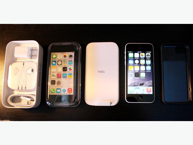 iPhone 5C white 16GB like NEW in BOX + slim case Outside ...