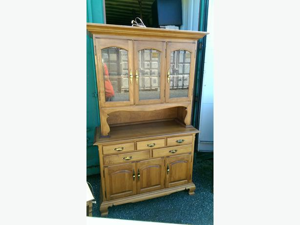 Roxton Solid Maple Buffet Hutch Dining Room China Cabinet