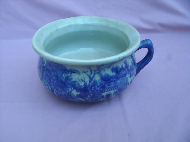adult chamber pot