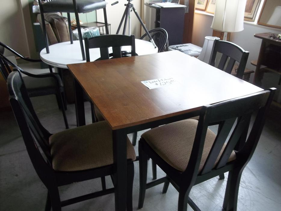 Bar stool style chairs and table for ale at st vincent de - Amazon table de bar ...