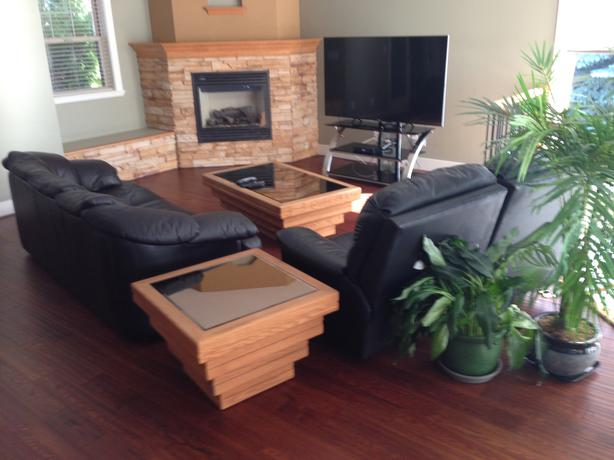 Oak coffee table and end table kelowna okanagan for Coffee tables kelowna