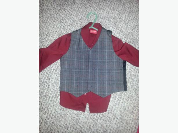 Size 12-18mths ARROW burgundy dress shirt and grey vest