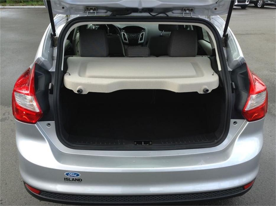 2012 ford focus se fresh local trade priced to move all main duncan cowichan mobile. Black Bedroom Furniture Sets. Home Design Ideas