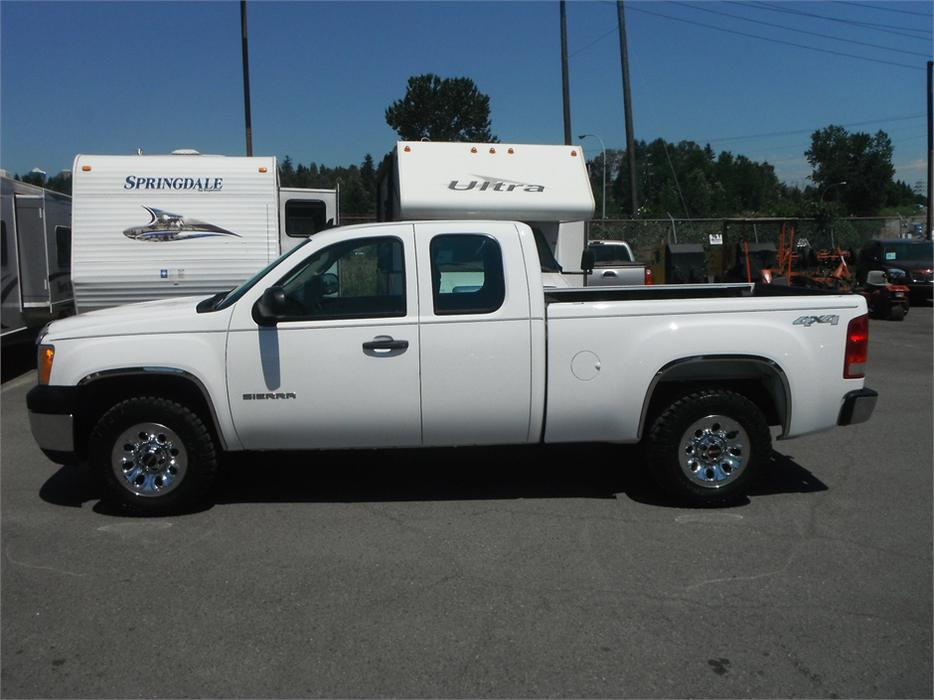 2011 gmc sierra 1500 short box ext cab work truck 4wd outside alberni valley ucluelet. Black Bedroom Furniture Sets. Home Design Ideas