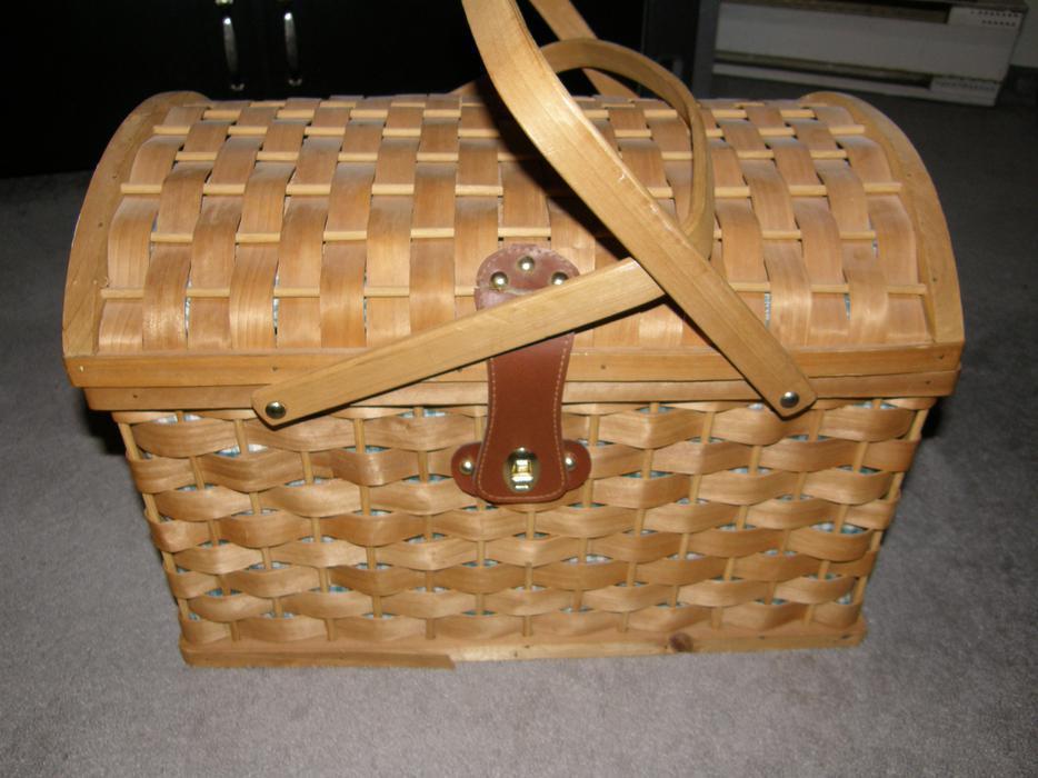 Handmade baskets calgary : Hand made split wood woven picnic basket south st vital