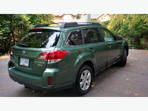 2011 subaru outback 3 6r awd outside nanaimo parksville qualicum beach. Black Bedroom Furniture Sets. Home Design Ideas