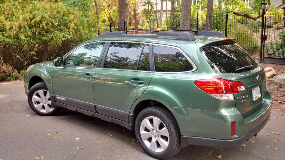 2011 subaru outback 3 6r awd outside nanaimo nanaimo mobile. Black Bedroom Furniture Sets. Home Design Ideas