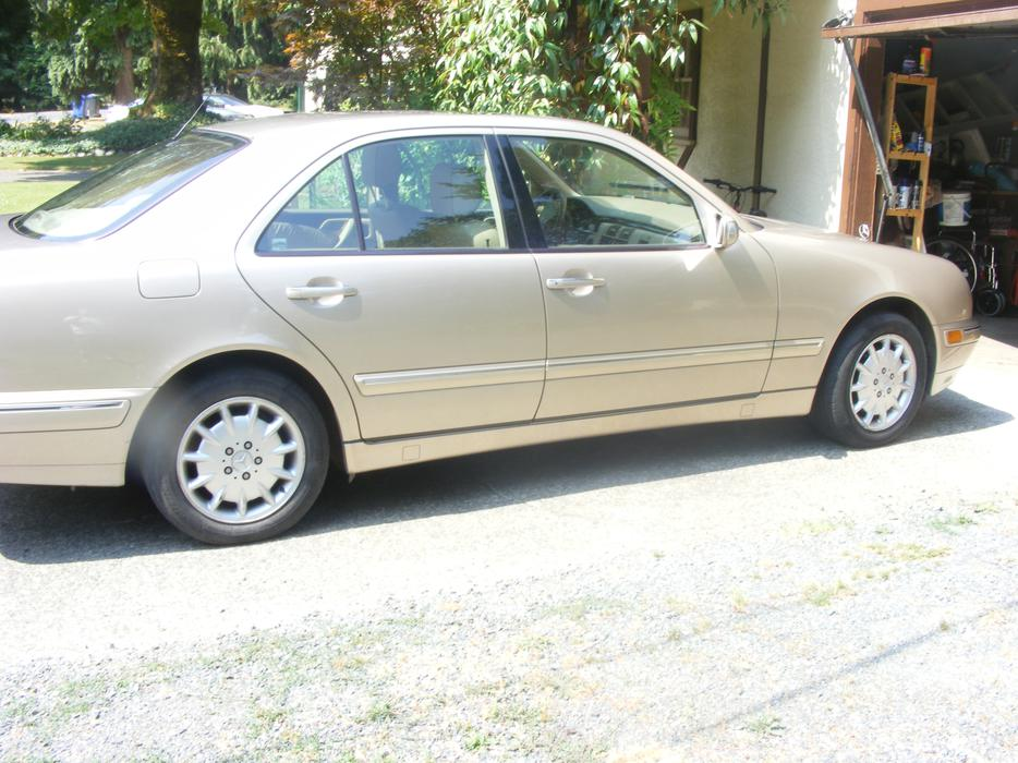 2001 mercedes benz e 320 low ks 4matic duncan cowichan for How much is a mercedes benz oil change