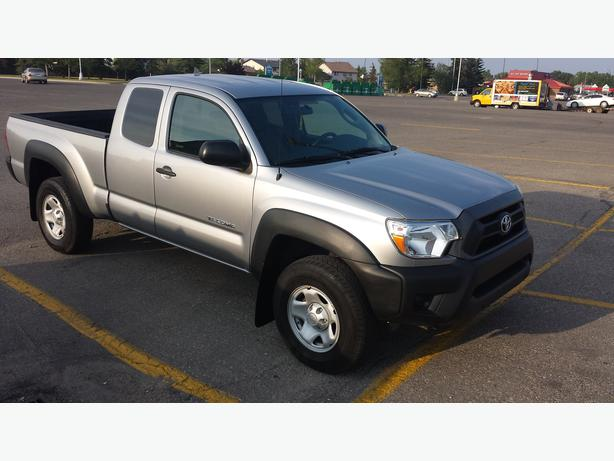 2014 toyota tacoma v6 very low kms for sale south east calgary mobile. Black Bedroom Furniture Sets. Home Design Ideas