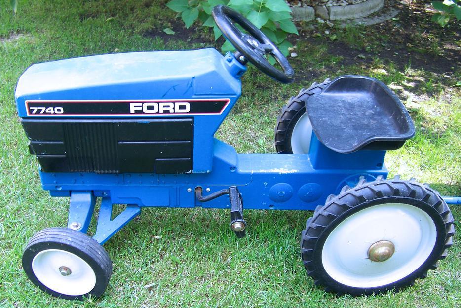 Ford Peddle Pedal Tractor Amp Trailer Ertl Yorkton Regina