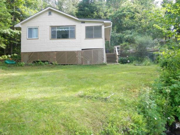 Small Rustic Cottage Outside Ottawa Gatineau Area Ottawa
