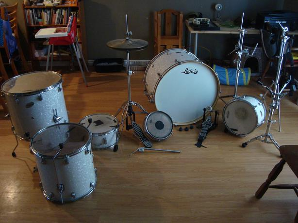 ludwig white pearl 6 piece drum set for sale kanata ottawa. Black Bedroom Furniture Sets. Home Design Ideas