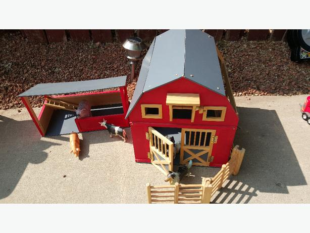 Big Red Solid Wood Barn Set And Animals North Regina Regina